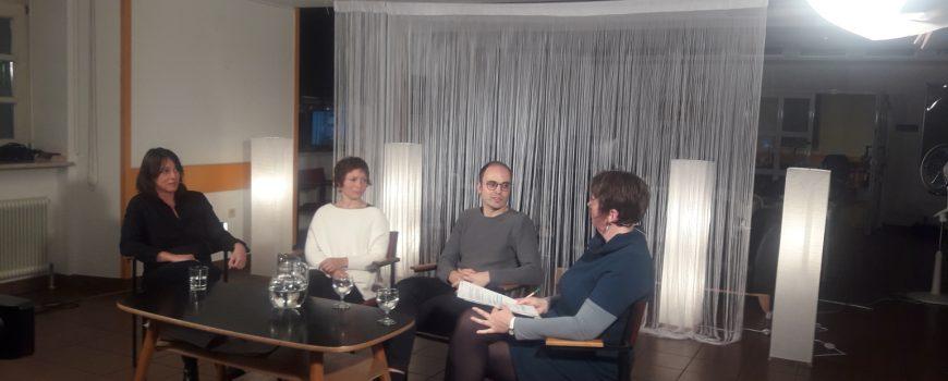 Kulturpolitik kultivieren v.l.n.r: Wiltrud Hackl, Fanja Haybach, Thomas Diesenreiter und Sigrid Ecker. Foto Sandra Hochholzer
