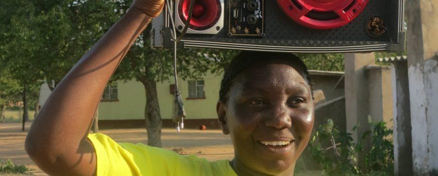 ZONGWE FM - Eine Radiobrücke über den Zambezi