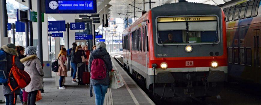 RF_18_03_18_10_ÖBB_Ausschnitt Triebwagen 628/928 in Salzburg Hbf