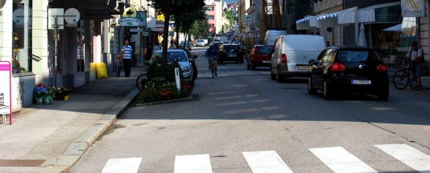 Hauptstrasse Hauptstraße, Blick von der Blütenstraße Richtung Norden. Urheber: Christian Wirth