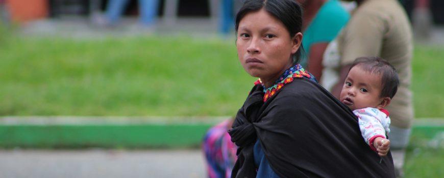(c) pixaby.com, indigene Frau Kolumbiens mit Kind indigene Frau Kolumbiens mit Kind