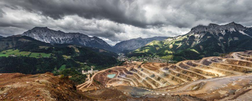 Mining Philippines Photo by Sebastian Pichler on Unsplash