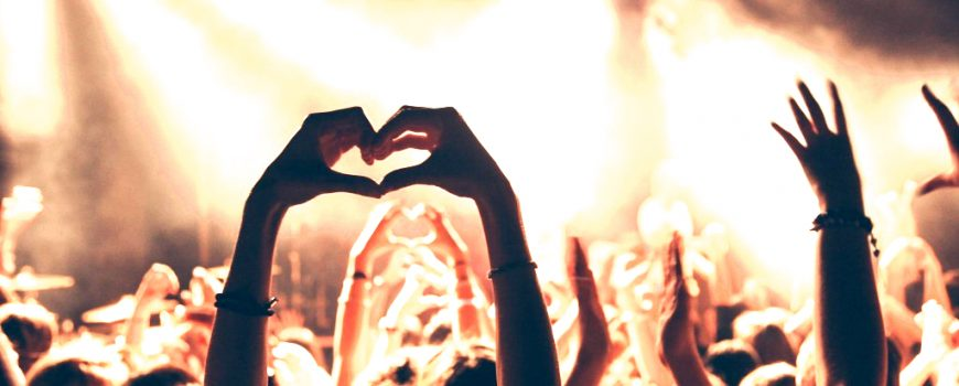 Concert Crowd barnimages.com (CC BY 2.0) via flickr