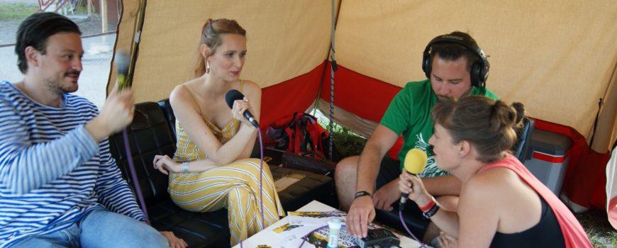 Interview mit Lea Santee im Radiozelt beim Rock im Dorf (Foto: Michaela Kramesch)