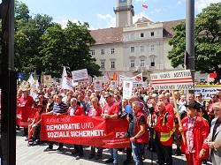 Foto Sternmarsch Soziales Österreich