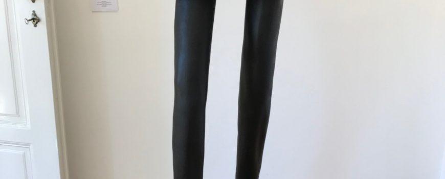 Erwin Wurm,Tasche mit zwei Beinen Erwin Wurm, Tasche mit zwei Beinen