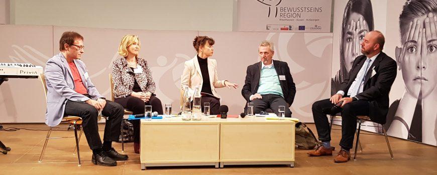 Podiumsdiskussion beim Menschenrechtesymposium Foto: Michaela Kramesch