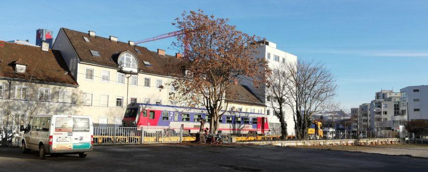 IMG_20190130_085929 Triebwagen - aufgegleist oder zur Überstellung bereit - in der nicht mehr befahrenen Reindlstraße Foto: Johannes Mayerbrugger (c)