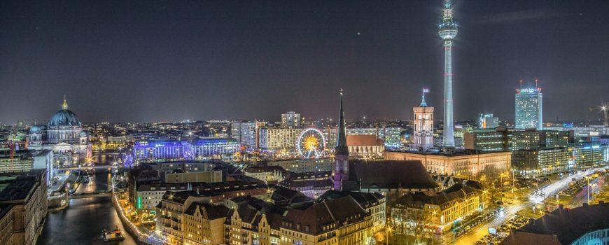stefan-widua-698922-unsplash Berlin bei Nacht