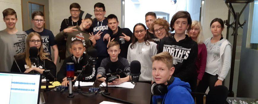 Workshop_Eferding Schüler*innen im Studio von Radio FRO beim Workshop Kunstlabor 2019