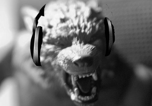 Kevin Lawver_Weerwoolf with headphones