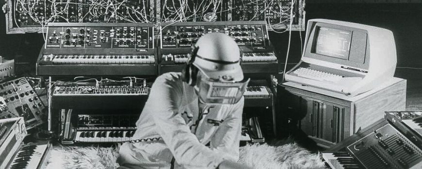 48575364271_f7e11a60c9_b Photo showing Klaus Schulze in the course of the Linzer Stahlsinfonie in 1980.