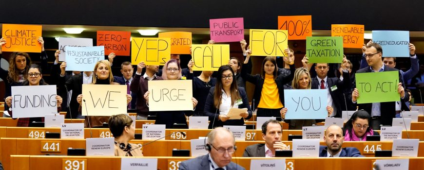 137th Plenary Session of the European Committee of the Regions  5 December 2019, 137th Plenary Session of the European Committee of the Regions YEPs im Europaparlament beim AdR