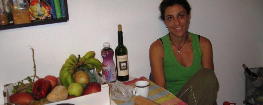 Bild 423r Frühstückstisch mit Biogärtnerin