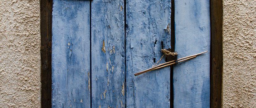 Wie das Blau in die Welt kam Fliegen mögen keine blauen Fensterbalken.
