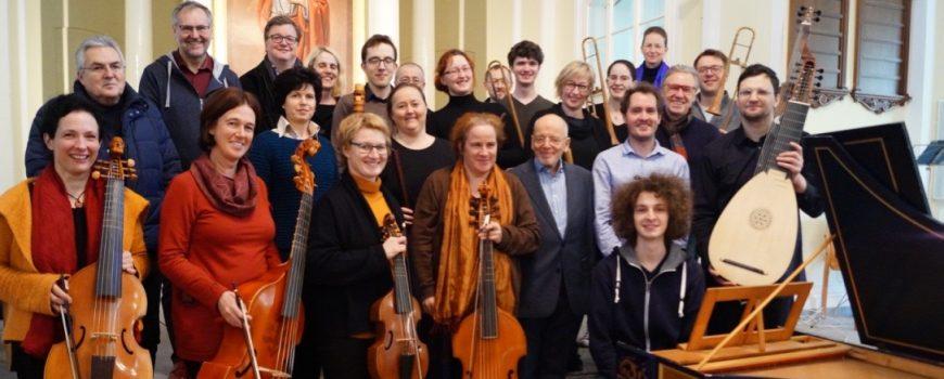 Ensemble Tutti Musiker mit Instrumenten