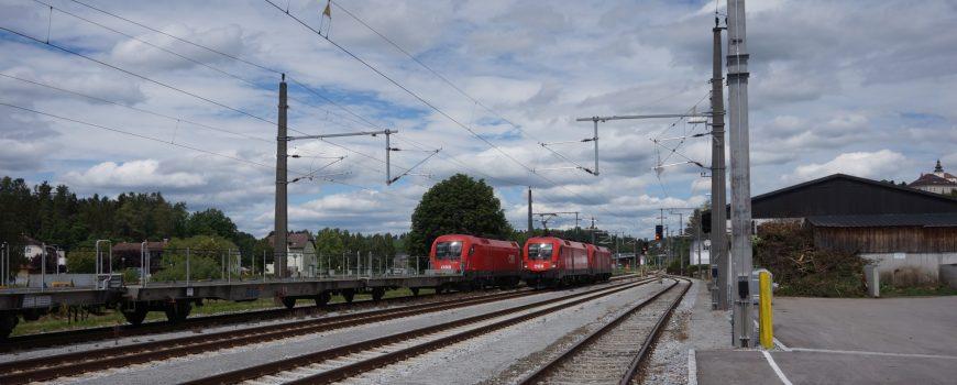 DSC00815 Zugkreuzung Bf Kefermarkt 6.6.2020