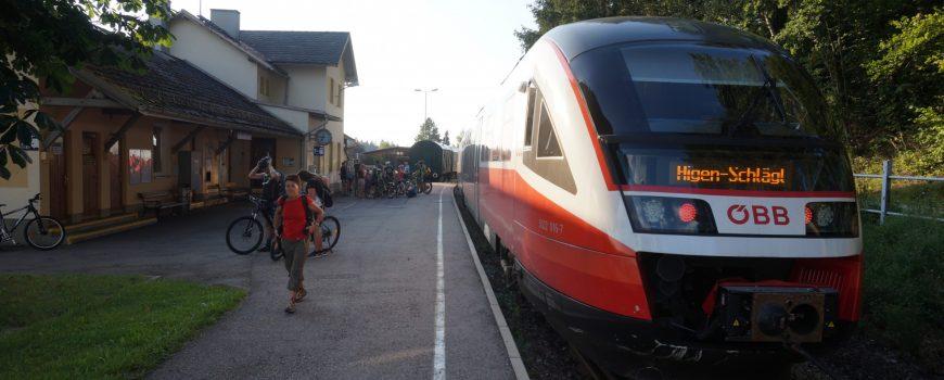DSC03161 Bahnhof Rohrbach-Berg mit R 3192