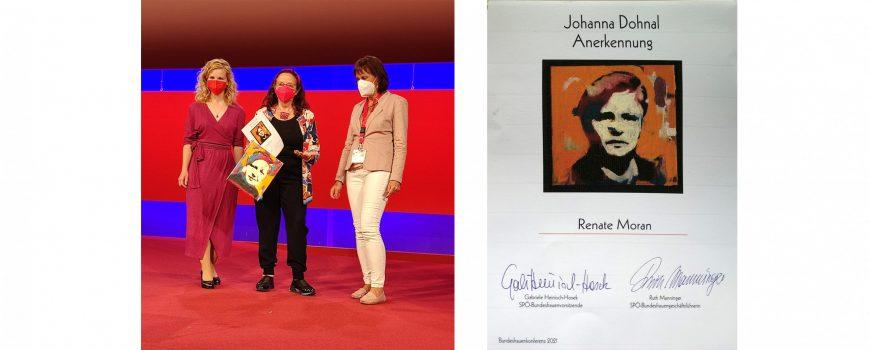 J.Dohnal Anerkennungspreis an R. Moran_2021_1 Foto: Astrid Knie, von l nach r. Bundesfrauenvorsitzende Eva Maria Holzleitner, Künstlerin und Preisträgerin Renate Moran, Landesfrauenvorsitzende OÖ, Renate Heitz