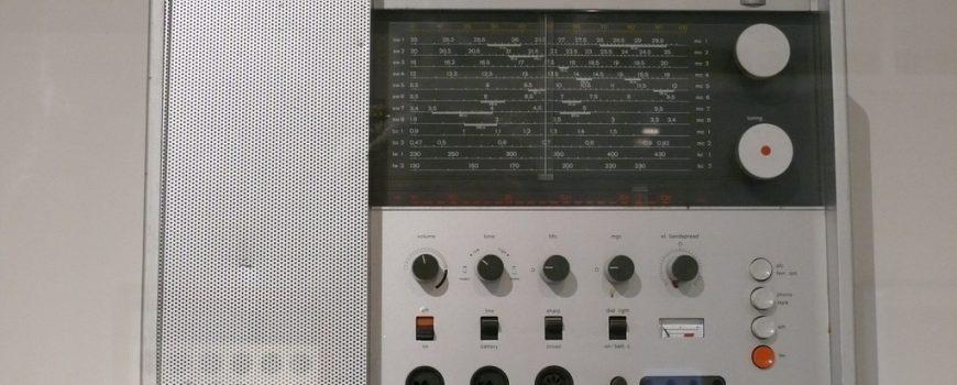 5cf1fb50af5af0722534faeb1d59f529.jpg Dieter Rams Braun Weltempfaenger T 100 1963