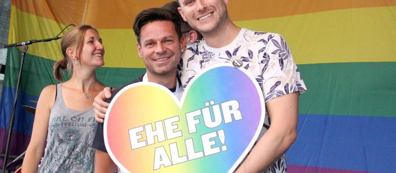 a3a304cd106ec13700b551cda6a134ff.jpg HOSI Linz (Gerhard Niederleuthner), Linz Pride 24.6.2017