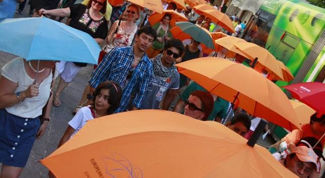 aa2816eae00ac8e4a0a39fda4ab56f6b.jpg Umbrella March Linz