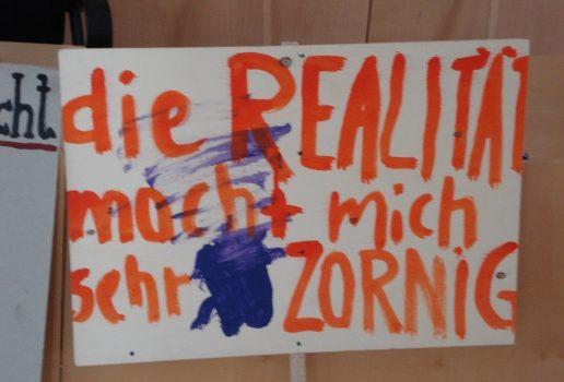 d5b3406bc32c26f071c8d8b6bd9495d8.jpg Plakat Feminismus und Krawall Foto: Sandra