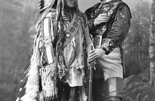 e2890cb4eca415ee73b3fefb9791a360.jpg © McCord Museum Canada_Sitting Bull und Buffalo Bill