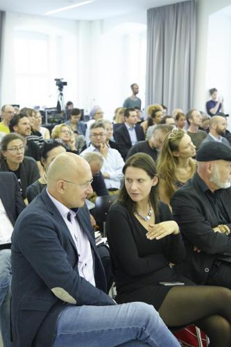 Konrad Mitschka (ORF Generaldirektion) im Gespräch mit Maren Beaufort (Österreichische Akademie der Wissenschaften)IMG 4274