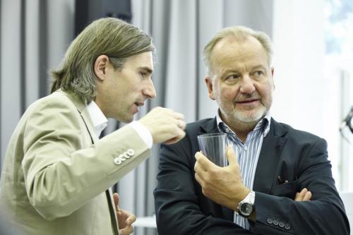Alexander Baratsits (Programmierung #mediana18) mit Herbert Hayduck (Leitung ORF-TV Dokumentation und Archive) IMG 4299